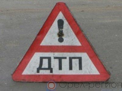 Поезд протаранил грузовой автомобиль вОрловской области