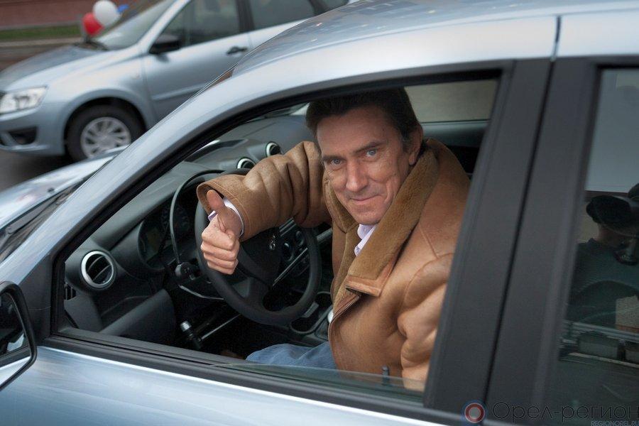 Пострадавшим напроизводстве орловчанам подарят автомобили