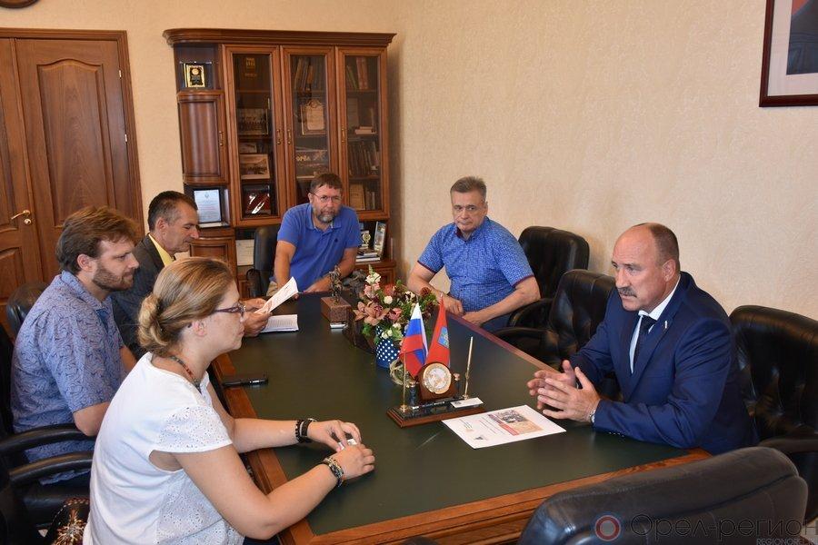Леонид Музалевский встретился с представителями благотворительного фонда «Наследие»